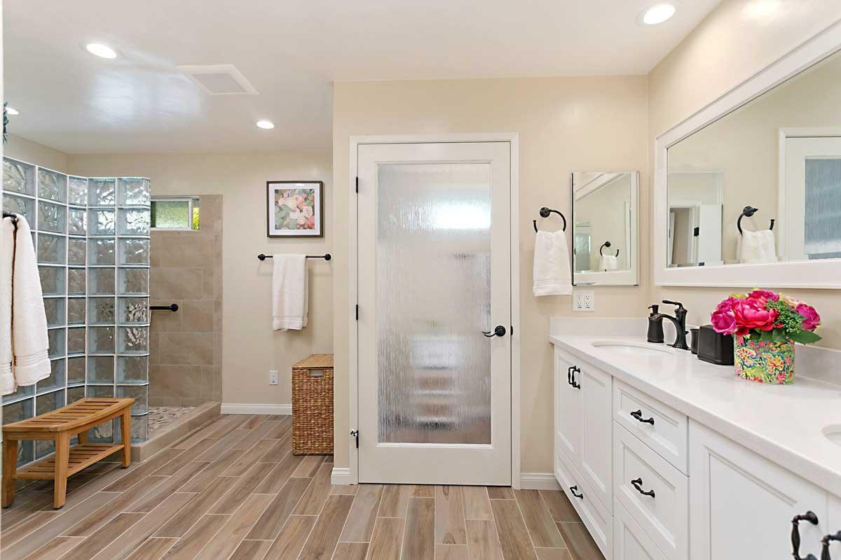 Transitional Master Bathroom